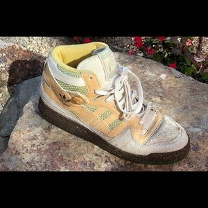 VTG Adidas, 100% recycled materials, size 10.5